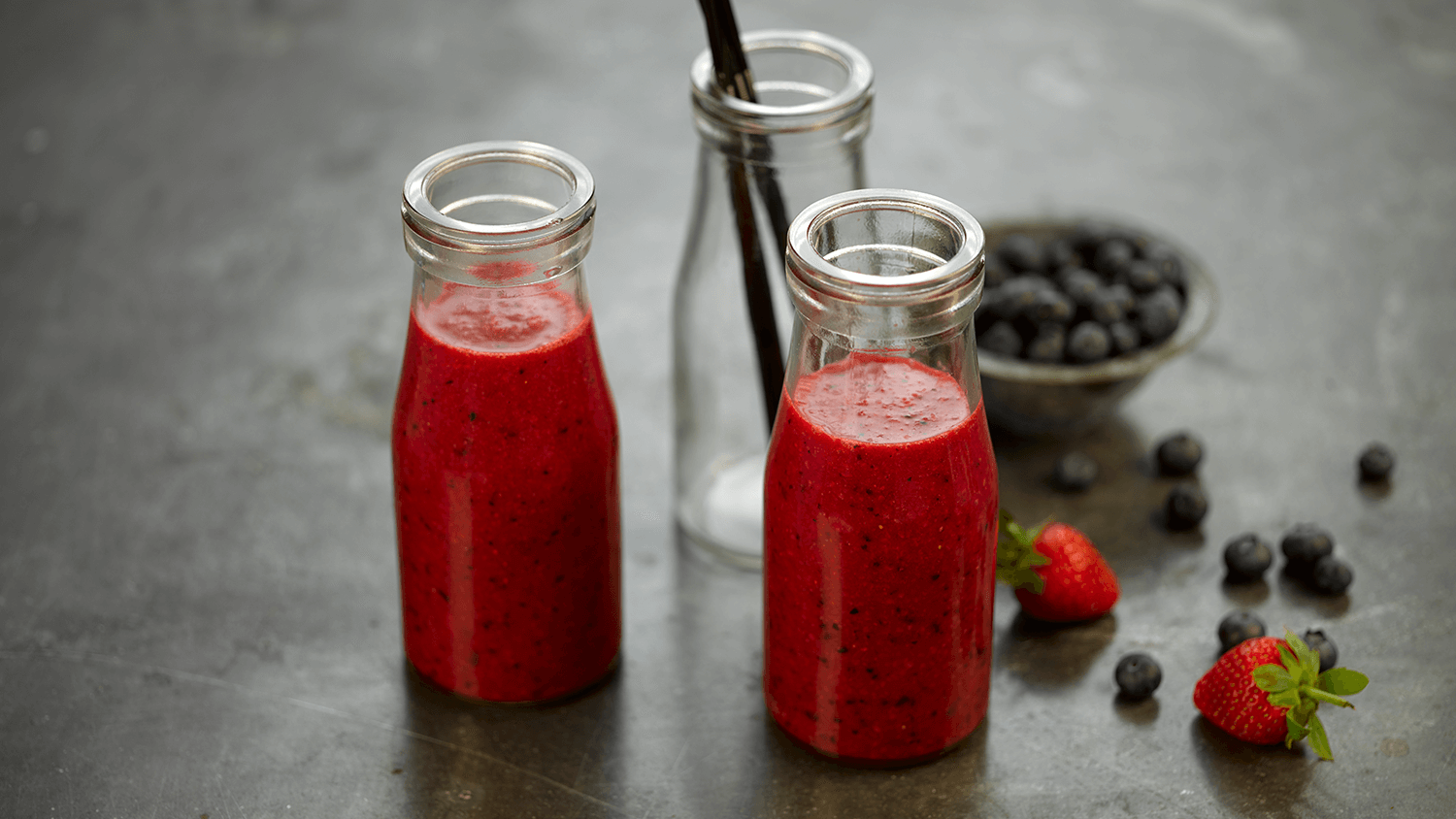 Beetroot, Apple, Blueberry & Ginger Smoothie